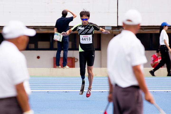 「みんなでパラスポーツを盛り上げたい」走高跳・鈴木徹選手は観客と共に大きな目標に挑む